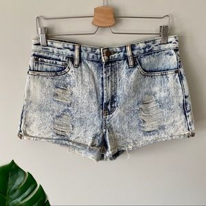 FOREVER 21 High Waisted Acid Wash Jean Shorts 29
